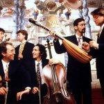 Il Giardino Armonico - Concerto for Violin & 2 Cellos in C major RV561 : I Allegro