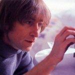 John Lennon & Yoko Ono and The Plastic Ono Band - Happy Xmas (war is over)