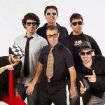 La Banda del Capitán Canalla & The Refrescos - Aqui no hay playa