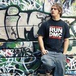 MC Lars - Black And Yellow T-Shirts (feat. MC Frontalot)