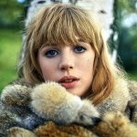 Marianne Faithfull & Sly and Robbie - Lola R. For Ever