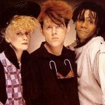 Thompson Twins - Love On Your Back
